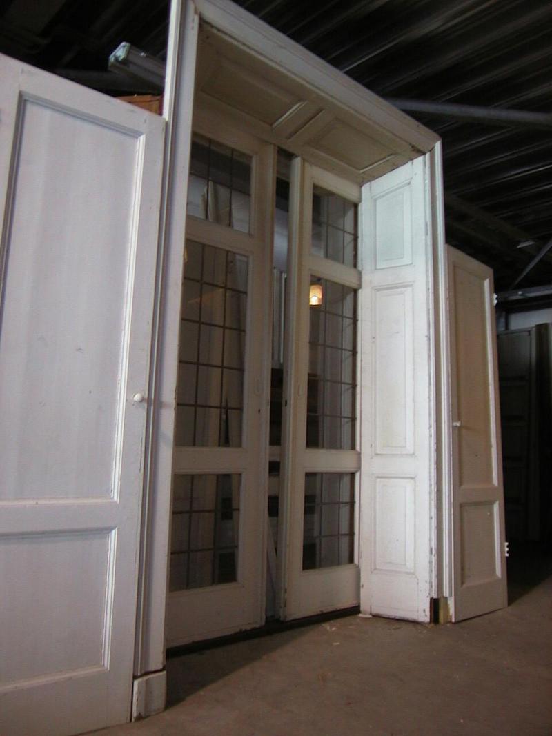 http://www.oudebouwmaterialen.nl/nieuwefotos/deuren.jpg